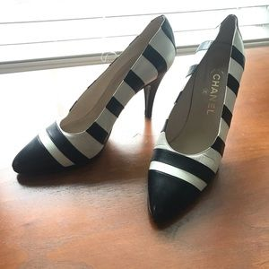 CHANEL Heels • Vintage • Black and White